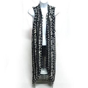 Forever 21 Long Knit Sleeveless Sweater Overlay